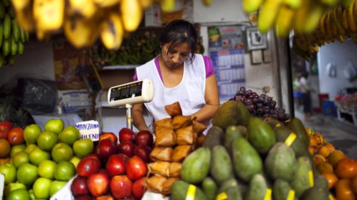 Proyecto Capital (Peru). 2002. Photo Credit: © Panos
